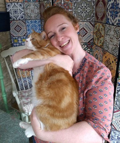 Oxford cat sitter with cat Tiger